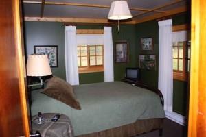 Balsam Cabin bedroom