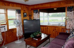 Lagoon Cabin living room